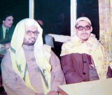صورة قديمة للشيخ علي جابر مع شيخه